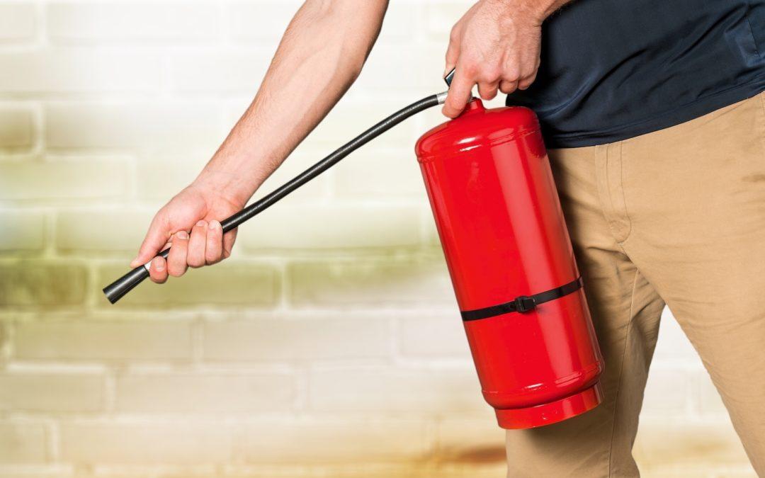 ¿Cómo funciona un extintor de incendios?
